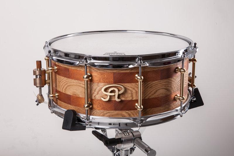 angel drums snare drum serie eiche mahagoni starwood drumsticks. Black Bedroom Furniture Sets. Home Design Ideas